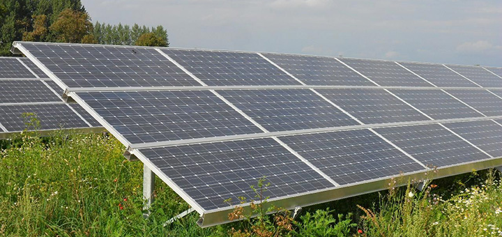 In sunny states such as Florida, utility companies charge hefty fees to homeowners with solar panels, thwarting the growth of solar across the country (Image credit: Thomas Kohler, flickr/Creative Commons)