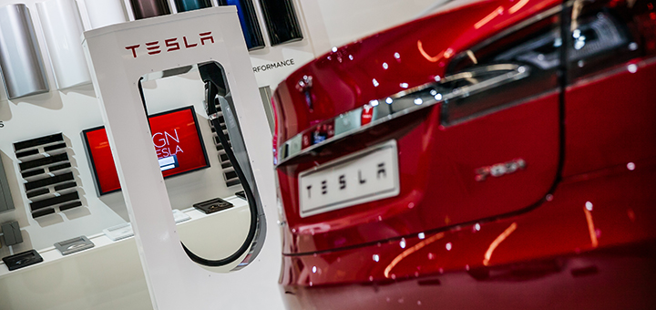 Tesla share prices have fallen due to reports of suspension problems with the Model S. (Image credit: Tesla)