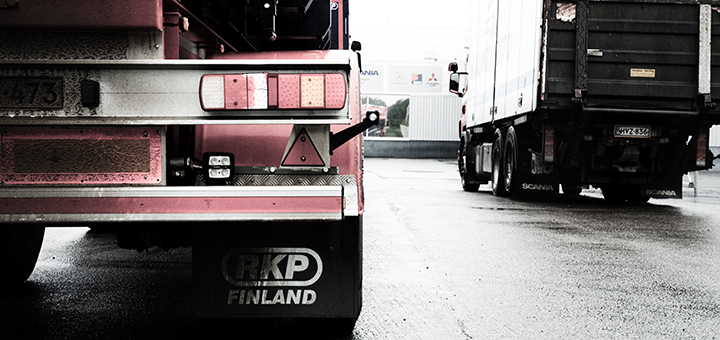 Industry experts say the new EPA fuel-economy standards for trucks and other large transport vehicles are good for business and the environment alike. (Image credit: Antti Kyllönen, flickr/Creative Commons)